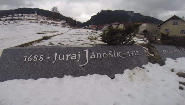juraj-janosik-monument