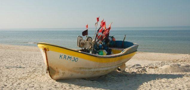 Krynica Morska – latarnia i plaża