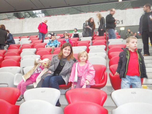 na_stadionie