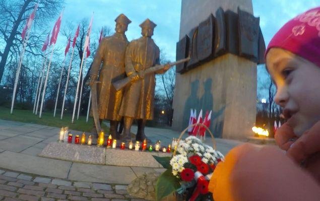 pomnik-powstancow-wlkp