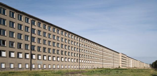 Prora - opuszczony budynek