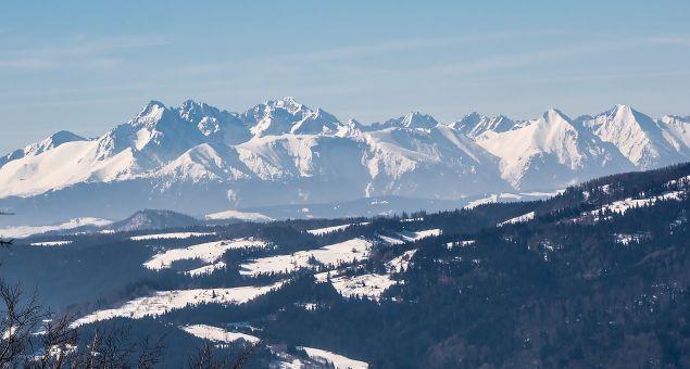 slovakia-mountains-winter