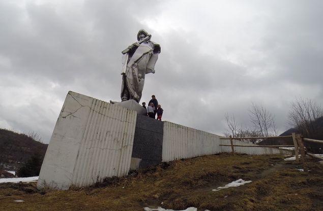 statua-juraja-janosika