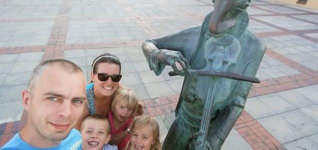 Pomnik chrząszcza – Szczebrzeszyn